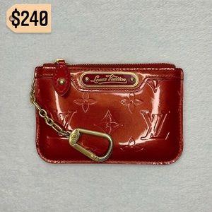 ✨✨✨✨SOLD✨✨✨✨Louis Vuitton Keychain Vernis Wallet